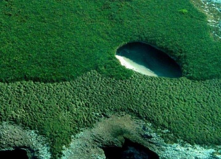 Поразительных скрытых пляжей - Бугага